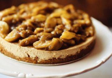 Gâteau au fromage au caramel et aux pommes