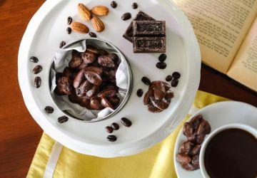 Bouchées d'amandes au chocolat et au café