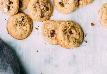 Biscuits aux pistaches, citron et chocolat blanc