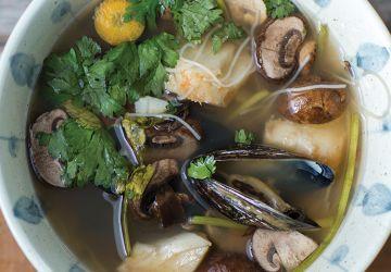 Tom Yum au poisson & aux moules
