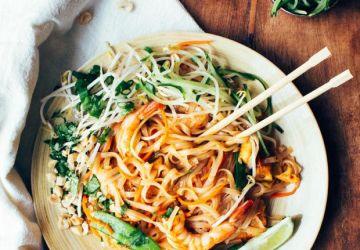 Pad thaï aux légumes, crevettes et tofu