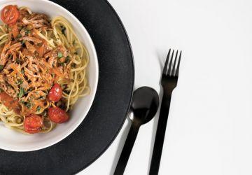 Linguinis au braisé d'agneau, câpres et aux tomates