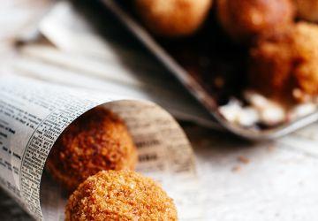 Arancini miniatures farcis au fromage