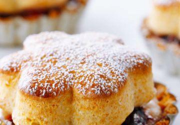 Tartelettes aux petits fruits avec biscuits au miel