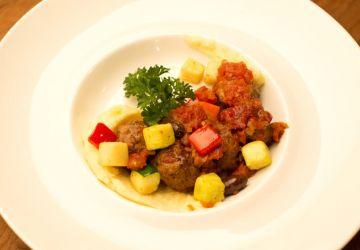 Boulettes à la marocaine sur purée de pommes de terre