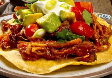 Tacos d'échine de porc et salsa de tomates cerises