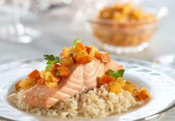 Saumon poché et salsa aux kakis Persimon