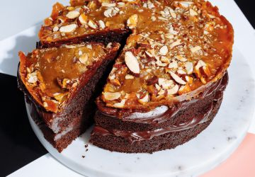 Gâteau au chocolat sucré-salé et croquant aux amandes