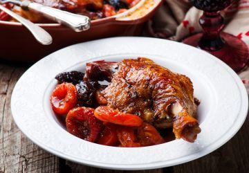 Cuisses de canard braisées aux fruits séchés
