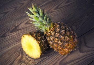Carrés aux ananas et noix de coco