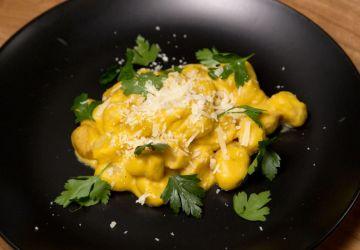 Gnocchis rôtis à la crème de courge butternut et persil