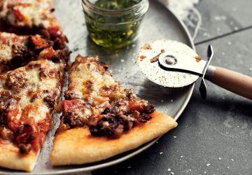Pizza au bœuf, aux tomates & au fromage mozzarella