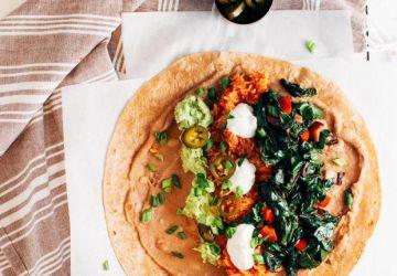 Burritos au riz mexicain et aux haricots frits