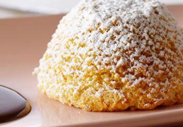 Gâteaux mousseline chauds aux amandes et au sirop d'érable