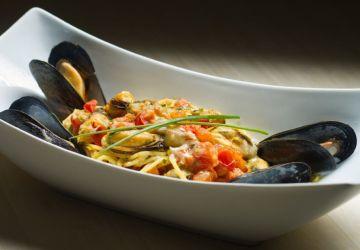Spaghettis safranés aux moules