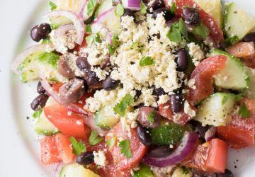Salade grecque protéinée au tofu