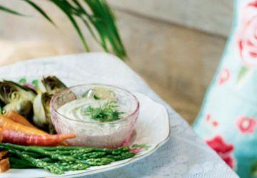 Trempette de mayo maison à l'aneth frais et à la moutarde de Dijon