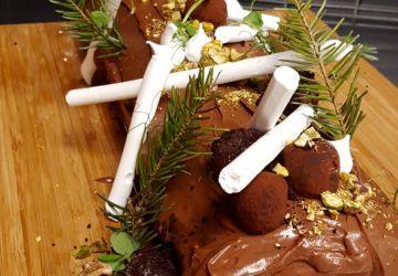 Bûche de Noël choco-pistache à la Hugo