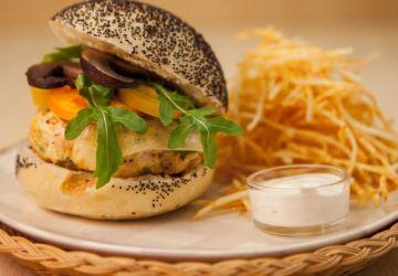 Hamburger santé au poulet et aux champignons