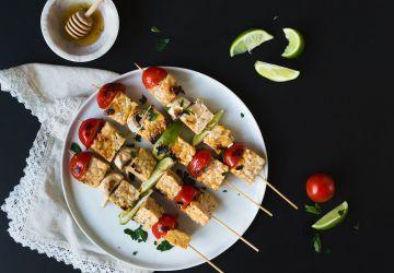 Brochettes tempeh, miel et lime
