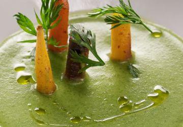 Potage de fanes de carottes et carottes glacées au cumin