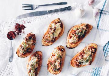 Patates douces rôties au tempeh et fromage gratiné