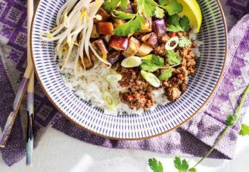 Bœuf et aubergines asiatiques comme un bibimbap