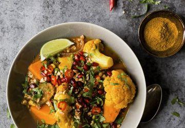 Cari végétarien au chou-fleur et patates douces