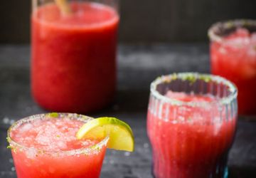 Cocktail au melon d'eau, framboises et lime
