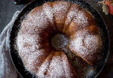 Gâteau pommes et mélasse maison
