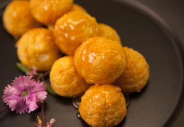Profiteroles au fromage à la crème citronnée