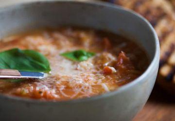 Soupe de tomates rouges à la Toscane
