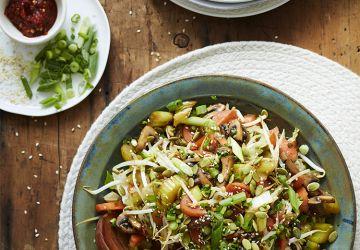 Chop suey aux légumes & aux graines de citrouille