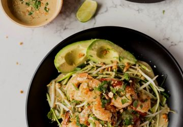 Salade thaïe aux crevettes grillées