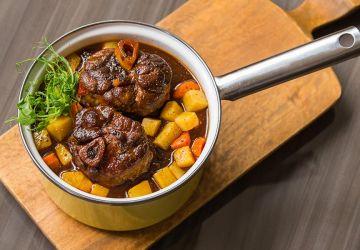 Osso buco de porc du Québec, sauce au caribou et légumes-racines