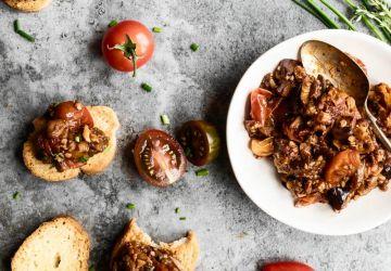 Bouchées d'aubergines et de tomates confites