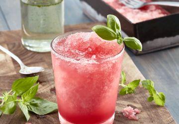 Cocktail givrée sans alcool au melon d'eau et à la menthe