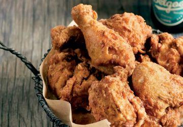 Poulet frit et sauce piquante