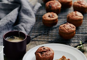 Muffins aux betteraves, bananes & raisins