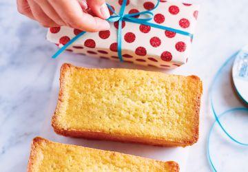 Petits cakes au pamplemousse et au romarin