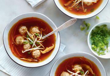 Soupe miso aux boulettes de dindon