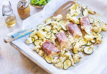 Poitrine de poulet farçie avec légumes au four