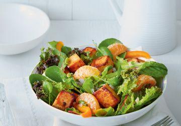 Salade de tofu épicé et de clémentines