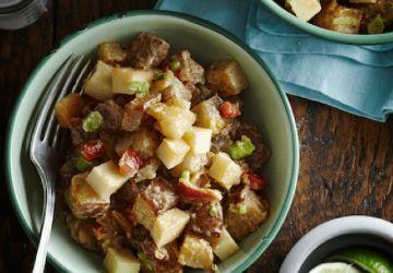 Salade de pommes de terre au bacon et fromage
