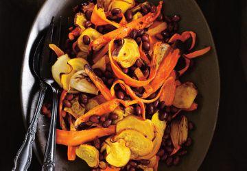 Salade de betteraves, de carottes et de haricots noirs