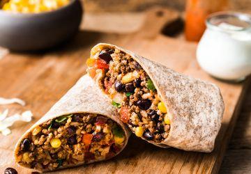 Burrito au bœuf, haricots noirs, riz etmaïs