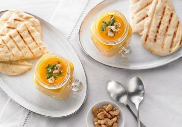 Crème de carottes, cajous rôtis etgingembre