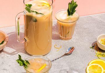Thé glacé aux agrumes et à la menthe