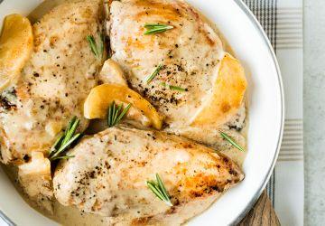 Suprême de poulet aux pommes etromarin