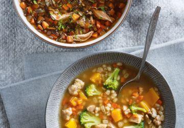 Soupe à l'orge, à la courge et au brocoli